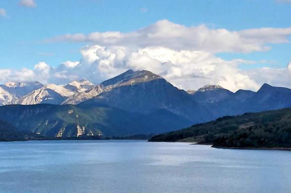 Lago di Campotosto – Attrattive, campeggio e informazioni utili