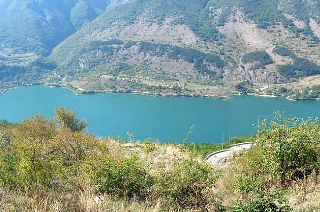 Lago di Scanno un gioiello nascosto nel cuore d'Italia