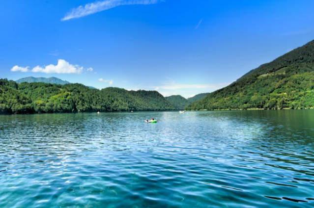 Lago di Levico: percorsi, gastronomia, relax e cura del corpo