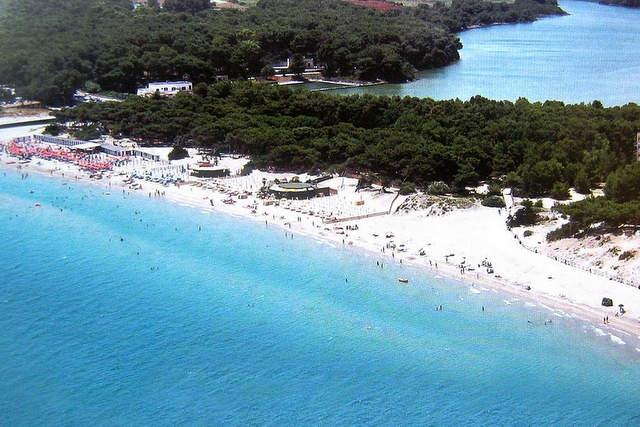 Laghi Alimini – Spiaggia e paesaggio naturale