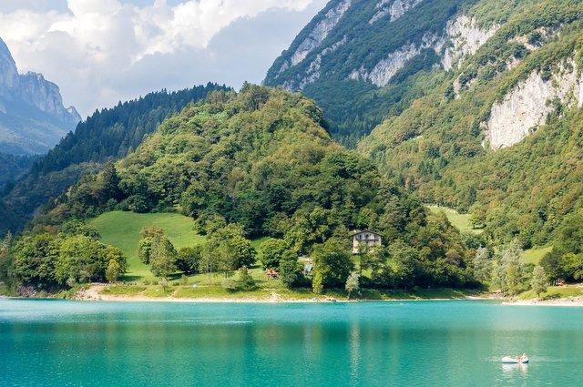 Isola lago di Tenno