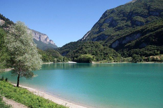 Lago di Tenno: un lago da favola dal color turchese